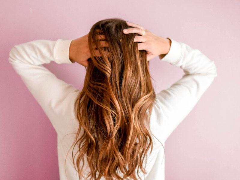 Beneficios de la miel para el cabello - El Colmenar de Valderromero